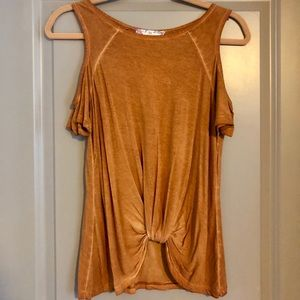 Top with Side Shoulders & Knot